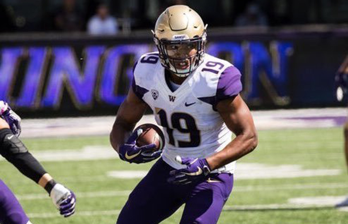 Tight End Hunter Bryant '17 Continues to Impress at UW