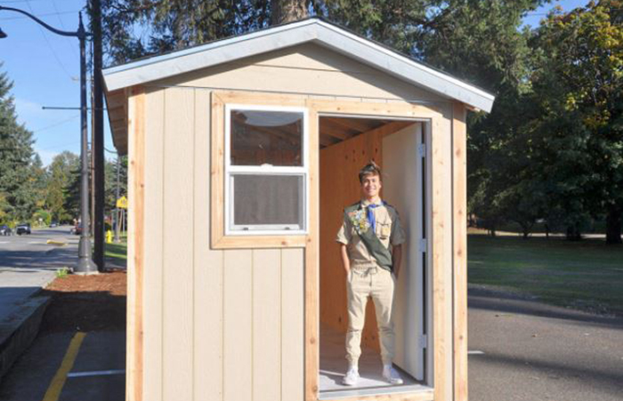 Senior Builds Tiny House for Homeless in Seattle