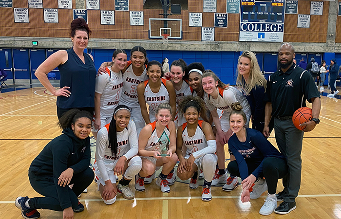 Girls Basketball Poised for State Tournament Run